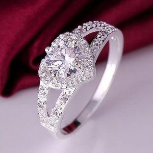 ❗️NEW❗️Stunning Silver Heart Zircon Ring Size 7
